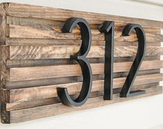 Easy to make modern house number sign Diy House Number Plaques, House Number Signs, Diy House Numbers, House Address Numbers, Farmhouse House Numbers, Door Numbers, Door Number Sign, Address Plaque, Home Address Signs