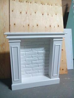 Pin by Santos on Chimeneas Faux Fireplace Mantels, Fireplace Mantel Surrounds, Christmas Fireplace, Christmas Deco, Mantles, Faux Foyer, Cardboard Fireplace, Farmhouse Style, Diy Furniture