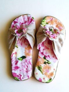Flip-Flop Refashion » Flamingo Toes ~~Start with flip-flops and refashion to this!