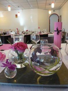 Vases boules pour centre de table d'un mariage thème bulles