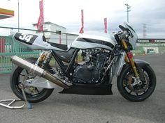 ZRX1200レーサーの画像 | カエデモーターサイクルの日常