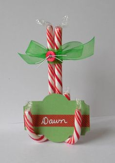 Create Candy Cane place card holders for your holiday dinner. Designer Dawn is o… – Candy Cane Christmas Place Cards, Christmas Favors, Christmas Goodies, Winter Christmas, Christmas Holidays, Christmas Decorations, Christmas Ornaments, Christmas Candy, Candy Cane Decorations