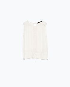 TOP EN DENTELLE DE STYLE ROMANTIQUE / Zara