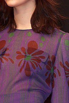Miu Miu Fall 2001 Ready-to-Wear Fashion Show Details