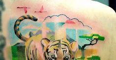 Em maio foi um mês de muita criatividade.    Tatuagens de animais com Pixels   Logos hipsters do cinema e TV   Times defutebol na escala...