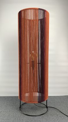 Wood Pendant Light, Pendant Lighting, Diy Crafts Life Hacks, Macrame Design, Macrame Tutorial, Lamp Design, Floor Lamp, Lightning, Upcycle