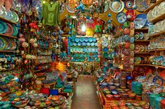 2 - Istambul, Turkey - Even if you're not a big shopper, you'll be wowed by the dizzyingly colorful displays at Istanbul's Grand Bazaar. The Places Youll Go, Places To See, Grand Bazar, Grand Bazaar Istanbul, Tourist Trap, Istanbul Turkey, Most Visited, Beautiful Places, Lovely Things