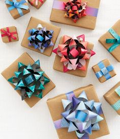 Gift Bows ~ tutorial | Mama's Style