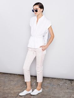 New season…new look!! Negarin white t-shirt, Negarin trousers and @Lacoste sneakers for this Spring-Summer outfit.