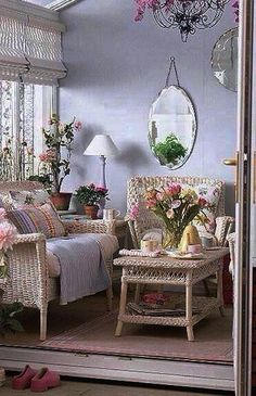 Shabby Chic Decor easy and creative tricks - Good looking decorating tricks to organize a pleasantly shabby shabby chic home decor rustic . The fantastic tips pinned on this imaginative day 20190626 , pin note ref 7873330272 Cottage Chic, Cottage Style Decor, Rustic Cottage, Romantic Cottage, Cottage Porch, Shabby Cottage, French Cottage, Romantic Homes, Porch Nook