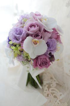 ブーケ 胡蝶蘭を挿し色にの画像:一会 ウエディングの花