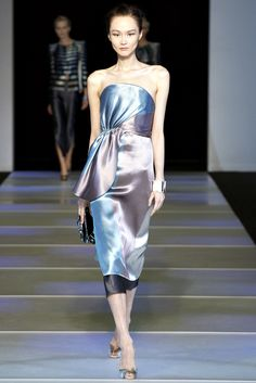 Giorgio Armani Spring 2012 Ready-to-Wear Collection Slideshow on Style.com