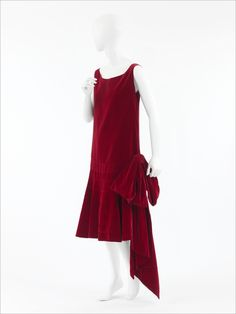 Late 1920s Coco Chanel dress via The Costume Institute of the Metropolitan Museum of Art