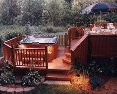 hot tub deck Find multi level decks design ideas to help you design and planning your custom multi level deck & beautify your backyard with this complete guide. Hot Tub Patio, Backyard Patio, Patio Deck Designs, Patio Design, Patio Ideas, Backyard Ideas, Pergola Ideas, Pergola Kits, Jacuzzi