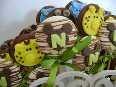 Pirulitos de chocolate personalizado para a festa Mickey Safári.
