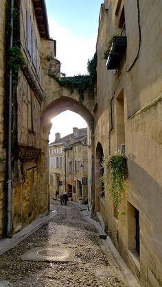 Quaint Street in St-Émilion, France Places Around The World, Around The Worlds, St Emilion, During The Summer, Heaven On Earth, France Travel, Pathways, So Little Time, Bordeaux