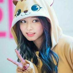 dedicated to female kpop idols. Girls Dp, I Love Girls, Kpop Girls, Cute Girls, Cute Korean Girl, South Korean Girls, Asian Girl, Nayeon, Cute Girl Pic