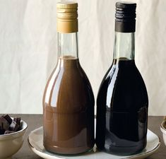 Diabeł w butelce. Diavolo in bottiglia. | PLorIT Pam Pam, Chocolate Liqueur, Polish Recipes, Irish Cream, Mixed Drinks, Yummy Drinks, My Favorite Food, Nutella, Food To Make