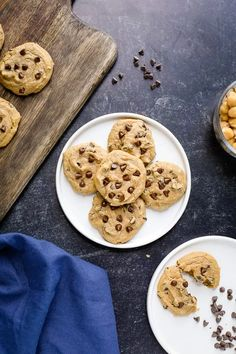 chickpea chocolate chip cookies Chickpea Chocolate Chip Cookies, Chickpea Cookies, Chocolate Chip Recipes, Chocolate Chips, Low Calorie Desserts, Vegan Desserts, Just Desserts, Vegan Food, Soft Baked Cookies