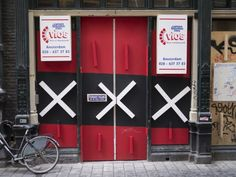 The coolest temporary construction entrance I have seen in Amsterdam...