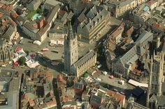 merveille de l'Unesco : Beffroi de Gand (H : 91 m) - Belgique