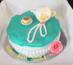 Tea pot cake for a tea party