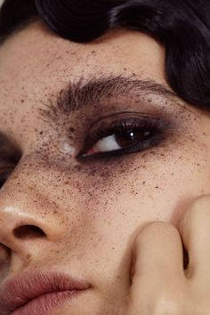 eye makeup look freckles Makeup Inspo, Makeup Art, Eye Makeup, Hair Makeup, Makeup Salon, Makeup Studio, Dress Makeup, Ysl Beauty, Beauty Shoot