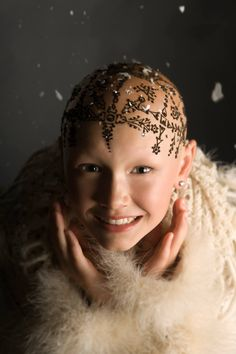 Transforming heartache to empowering beauty: Henna Crowns for cancer patients who have lost their hair, as well as children/adults with Alopecia. Henna Heals: hennaheals.ca