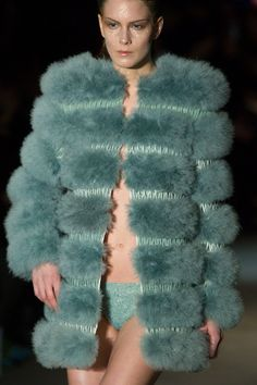 Serkan Cura at Couture Spring 2015 (Details)