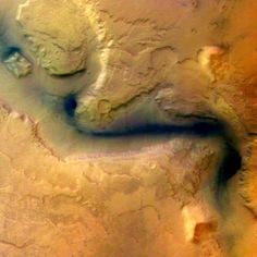 Gorgeous Images: Ancient River on Mars?