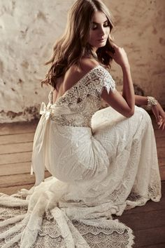 "Vintage Wedding Wedding Dress by Anna Campbell Eternal Heart collection 2018 - With bold and intoxicating wedding dresses that are ""Everything"", Anna Campbell 2018 Eternal Heart Collection is a bridal-fashion moment not to be missed. Anna Campbell Bridal, Dream Wedding Dresses, Bridal Dresses, Wedding Gowns, Wedding Bride, Diy Wedding, Vintage Lace Wedding Dresses, Perfect Wedding, Sparkle Wedding"