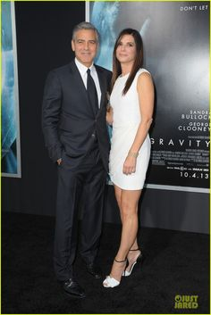 George Clooney & Sandra Bullock premiered their critically acclaimed flick 'Gravity' in New York City last night. Pictures on JustJared.com!