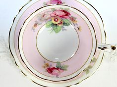 Supurb Paragon Floral Bone China Teacup, Collectible Tea Cup and Saucer 12538