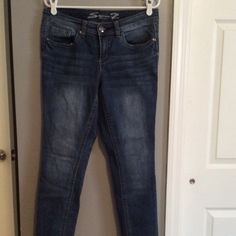 Seven skinny jeans in good condition. Size 30 Seven skinny jeans in good condition. Size 30 but they run a bit slim. Embellishments on the back pockets. Seven7 Jeans Skinny