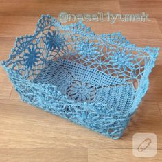 tig-is-comment-the-basket est durci - Dantel - Filet Crochet, Art Au Crochet, Crochet Fairy, Crochet Bowl, Crochet Stitches, Knit Crochet, Crochet Patterns, Crochet Christmas Gifts, Crochet Gifts