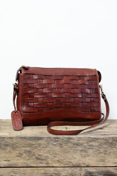 Aigner Woven Redwood Bag • Vintage 90s Etienne Aigner red brown leather  crossbody purse. Boho 03ed5c3f96033