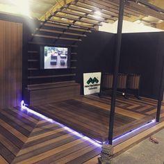 Iluminación en piso de nuestro stand en Expo Corferias en Bogotá, Colombia.   #inspiración #expo #deck #Latinoamérica #NewTechWood #Naturale #UltraShield #Pisos #Exteriores #Sustentable #Garantía25años #CeroMantenimiento #MaterialReciclado #Green #Outdoor #25yearswaranty #Ecológico #Arquitectura #Home #estilodevida
