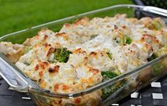 Chicken, Broccoli and Potato Casserole - Potato Recipes Broccoli And Potatoes, Broccoli Bake, Broccoli Recipes, Chicken Broccoli, Potato Recipes, Chicken Recipes, Broccoli Casserole, Recipe Chicken, Yukon Potatoes