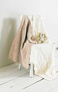 Neljä upeaa vauvanpeittoa - valitse suosikkisi ja neulo peitto pehmeästä langasta - Kotiliesi.fi Easy Knit Blanket, Knitted Blankets, Smudging, Knitting Patterns, Crafts, Ebay, Knit Patterns, Manualidades, Knitting Stitch Patterns