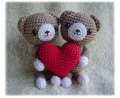 Google Image Result for http://www.lissabeecreations.net/wp-content/uploads/2011/01/Cute-Amigurumi-Bears.jpg