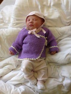 Nora i hjemmestrikka omslagsjakke