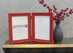 """Elegant Red Lacquer Double Hinged Frame 5""""x 7"""" Perfect for your photos."""