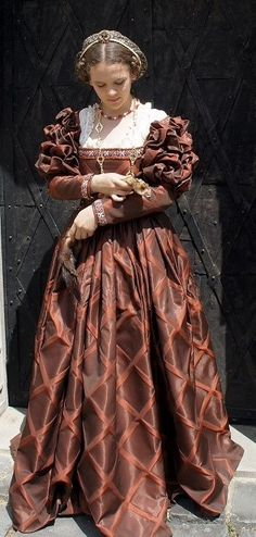 Medieval Costume, Medieval Dress, Elizabethan Dress, Italian Outfits, Renaissance Dresses, Fantasy Costumes, Period Costumes, Historical Clothing, Hollywood Glamour