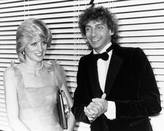 Diana with Barry Manilow.  This is the period after William was born when she got so very thin.