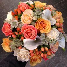 Pretty peach bridal sample  #gardeniaoflondon #weddingflowers #flowershop #florist #bridalbouquet #peachwedding