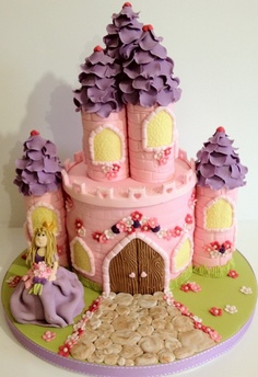 Great idea for a birthday cake for a little princess (or 3 princesses).