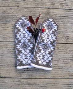 Winter Mittens - Beige Mitts - Aztec Pattern - Fall Accessories - Boho Accessories - Knit Gloves nO 144.