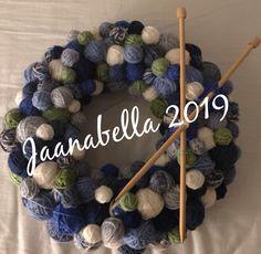Lankakeräkranssi/yarnwreath Hanukkah, Wreaths, Handmade, Home Decor, Hand Made, Decoration Home, Door Wreaths, Room Decor, Deco Mesh Wreaths