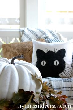 No Sew DIY Black Cat Pillow Cover