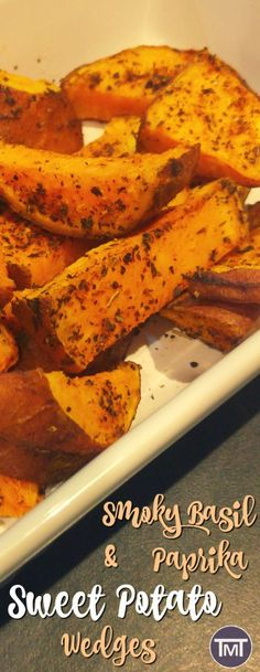 smoky basil and paprika sweet potato wedges - A delicious chip alternative with easy, homemade spice mix! Gluten Free Recipes Side Dishes, Vegetarian Recipes, Healthy Recipes, Drink Recipes, Delicious Recipes, Potato Dishes, Vegetable Side Dishes, Potato Snacks, Potato Recipes